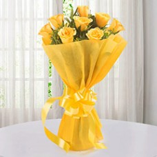 Enticing 12 Yellow Roses